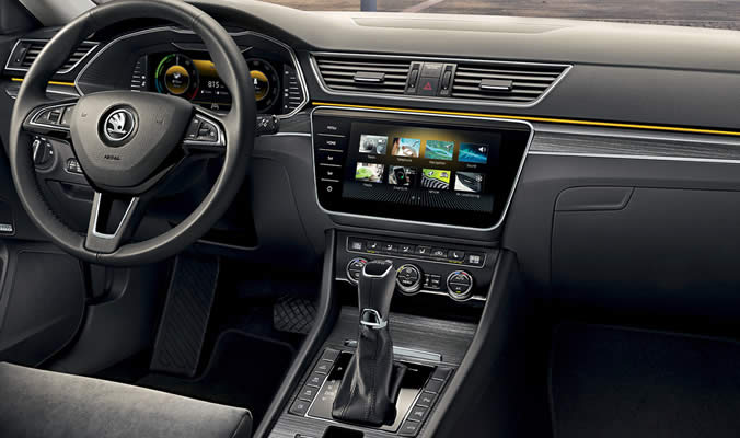 ŠKODA SUPERB iV - Infotainment